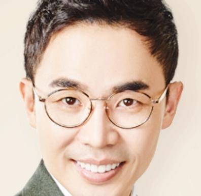 """'설민석' 실제 나이는?... """"4·19혁명 학생대표 설송웅의 아들이다?"""" 색다른 눈길"""