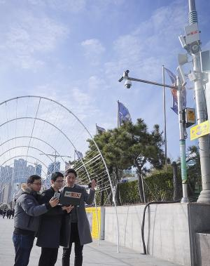 SK텔레콤, 국내 최초 상용망서 '순(純) 5G' 통신 성공